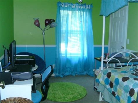Blue And Green Bedrooms by Green And Blue Room Mine Is Lime Green And Blue