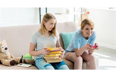 Pētījums: 64% Latvijas jauniešu vecāki ir paraugs digitālajā komunikācijā - Izglītība, vebināri ...