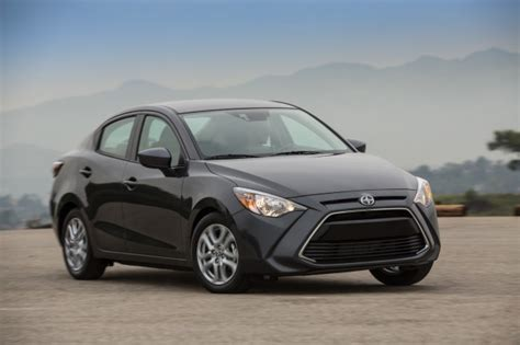 Highest Gas Mileage Car by Highest Gas Mileage For The Least Money We Rate 10 Top
