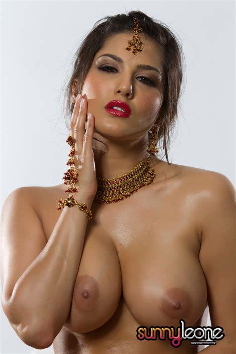 Foxhq Sunny Leone Nude Indian