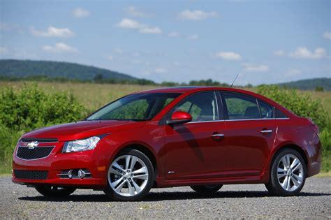 2012 Chevrolet Cruze Gets Fuel Economy Bump, More Standard