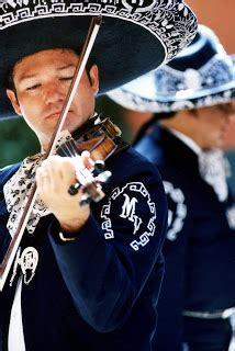 mariachi los instrumentostrajes tipicos del mariachi