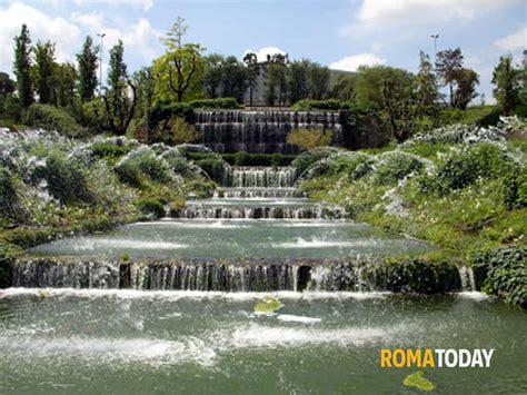 """Il """"giardino Delle Cascate"""" Al Quartiere Eur"""
