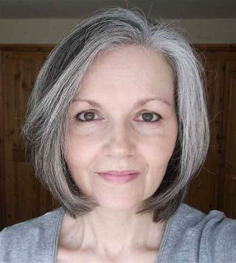bilder von kurzen haarschnitten fuer aeltere frauen
