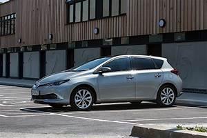 Toyota Auris 2015 : toyota auris 5 doors specs 2015 2016 2017 2018 autoevolution ~ Medecine-chirurgie-esthetiques.com Avis de Voitures