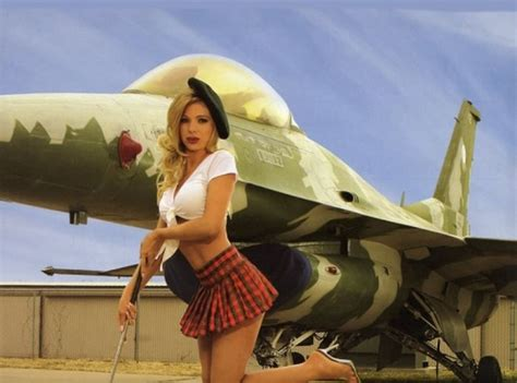 Hot Girls And Planes Pics