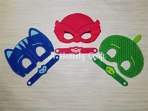 PJ Masks Mask Set of 3 Superhero Masks & Bracelets PJ
