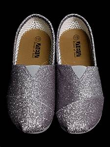 Head Size Chart Gray Glitter Shoes