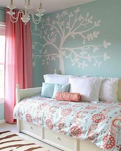44 super idees pour la chambre de fille ado With tapis chambre enfant avec jeté de canapé marron