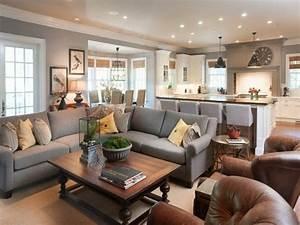 Wohnzimmer Gestalten Grau : ein wohnzimmer in braun wirkt einladend und wohnlich ~ Markanthonyermac.com Haus und Dekorationen