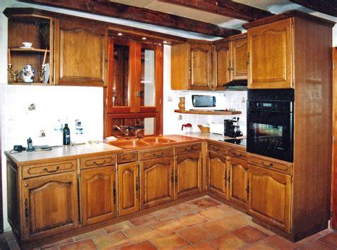 cuisine cr駮le 117 ensemble de cuisine en bois ensemble de cuisine en bois kirafes spatule