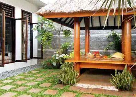 tips desain rumah sederhana  gazebo kayu minimalis