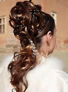 Chignon Cheveux Mi Long : chignon mariage cheveux longs ~ Melissatoandfro.com Idées de Décoration