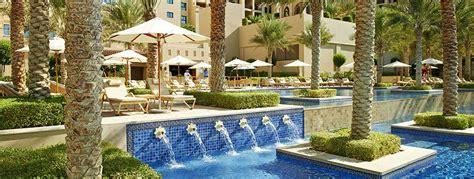 luxury resort  palm jumeirah dubai fairmont  palm