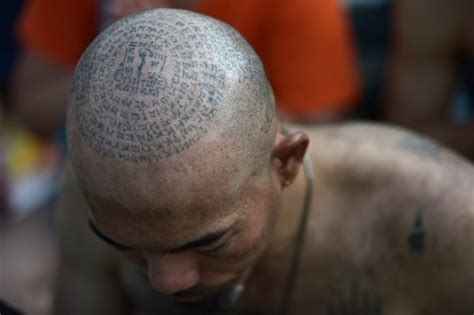Obat Untuk Wanita Datang Bulan Ribuan Orang Serbu Thailand Untuk Dapatkan Tato Suci Biksu