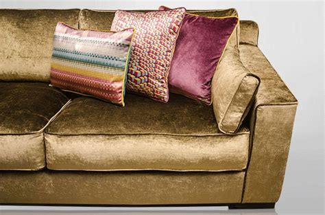 canapé cora cora canape 28 images large velvet sofa velvet sofa