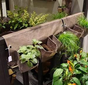 la jardiniere balcon l39outil de beaute de votre balcon With chambre bébé design avec pot pour fleur exterieur