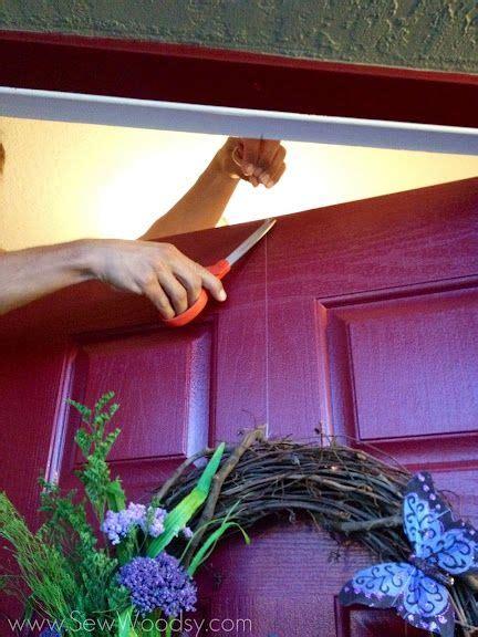 flat thumbtack  hang  wreath   door  didn