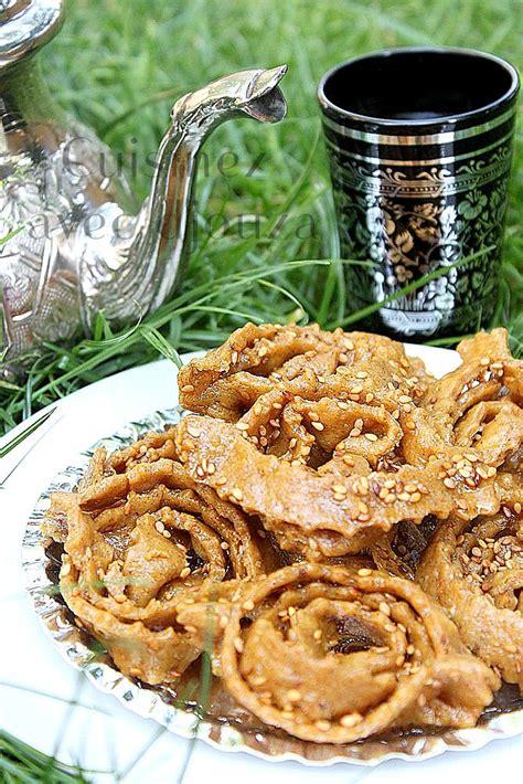 cuisine marocaine choumicha gateaux chebakia patisserie marocaine mkherka recettes faciles