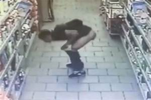 shameless thief poos on supermarket floor then steals With i pooped on the floor