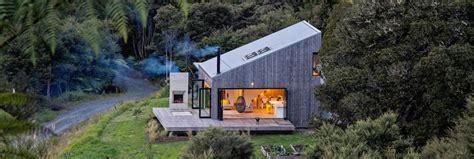 dreamy cabin   luxurious escape    zealand bush inhabitat green design