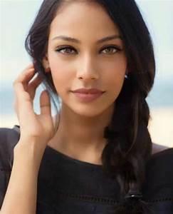 Miss Sri Lanka Christina Peiris Makes It To The Top 16 At