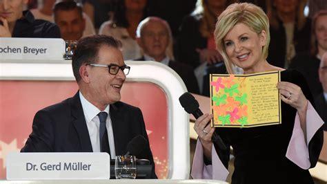 Zdf Wieder Wertvoll by Moderatorin Andrea Ballschuh Bekommt Lachanfall Im Zdf