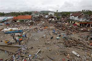 Indonesia Tsunami Survivors Remain Jittery As Deaths Hit
