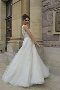 meghan markles royal wedding dress designer what to know With meghan markle wedding dress