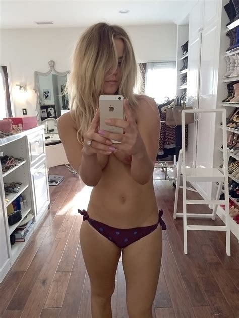 kaley cuoco leaked nude pics from fappening plus new 2017 leaks