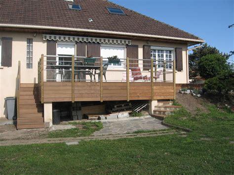 faire une terrasse en bois surelevee mzaol
