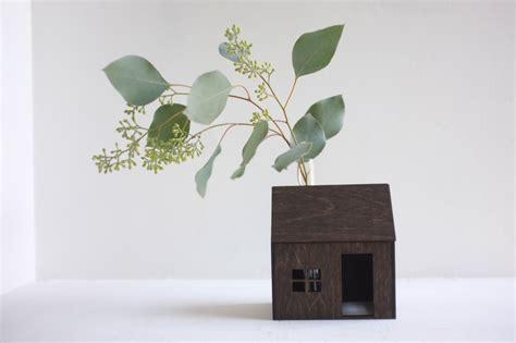 vaso legno casetta in legno vaso fiori comignolo keblog shop
