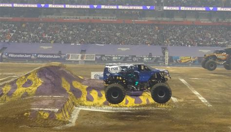 monster truck show in ny monster jam 2014 syracuse ny