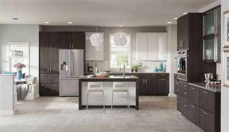 schuler cabinets vs kraftmaid 25 best ideas about schuler cabinets on