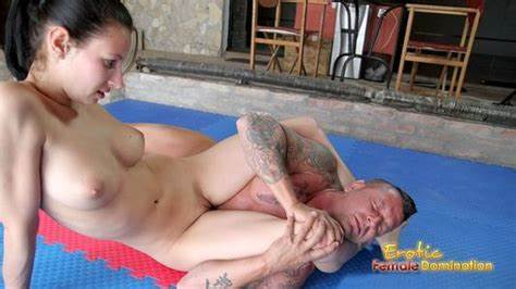 Comely Goddess Receives Stimulation
