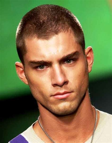 Male Hairstyles for Big Heads   Perfect Styles for Men