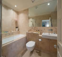 Luxury mayfair flat where 1949 diamond robbery which for Pictures of fitted bathrooms