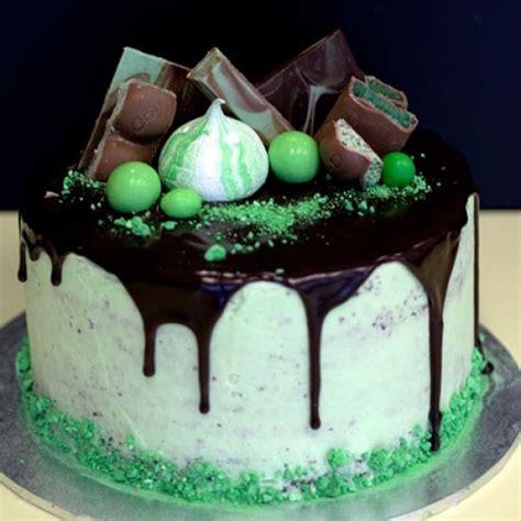 choc mint drip cake