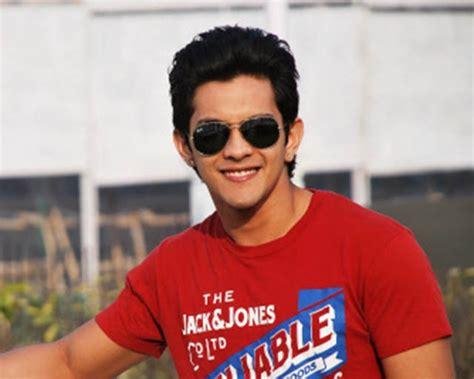 Aditya Narayan Wiki-biography-age-weight-height-profile
