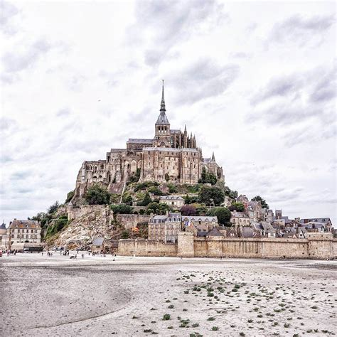 practical advice tricks and tips for visiting mont michel normandy solosophie