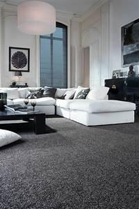 Wohnzimmer Teppich Grau : wohnzimmerteppich 65 beispiele wie sie den wohnzimmerboden mit teppich verlegen ~ Indierocktalk.com Haus und Dekorationen