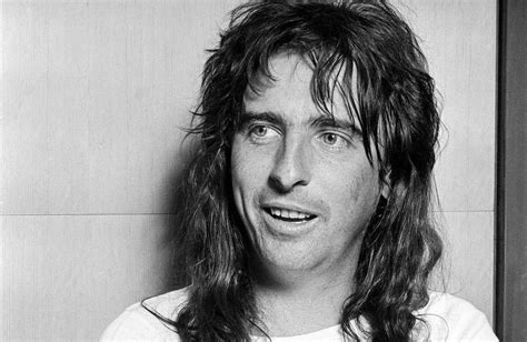 Watch Alice Cooper's 'Old Grey Whistle Test' Interview ...