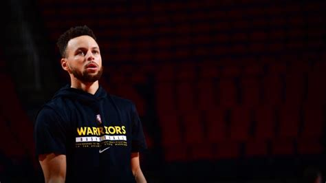 How Steph Curry plans to show solidarity with the Asian ...
