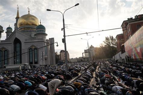living  islam russian muslims   stories