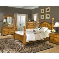 traditional style bedroom furniture set from woodhaven