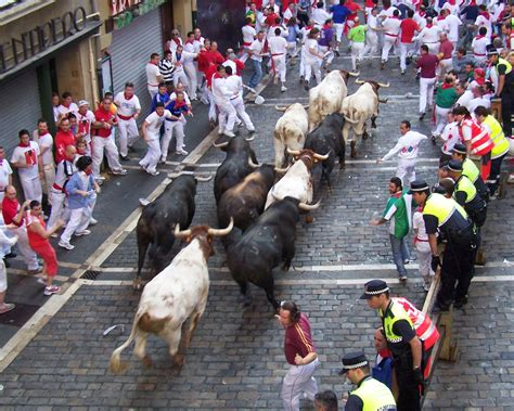 Running Of The Bulls Tours Pamplona Spain Will My Spouse
