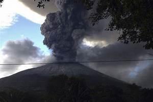 El Salvador U0026 39 S Most Active Volcano Erupts
