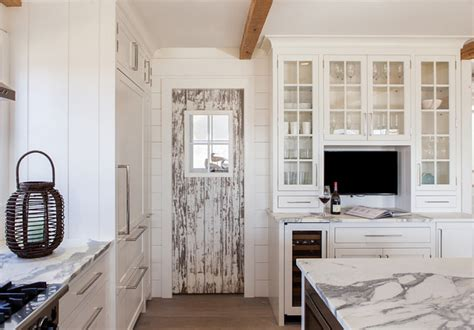 nantucket shingle cottage  modern coastal interiors