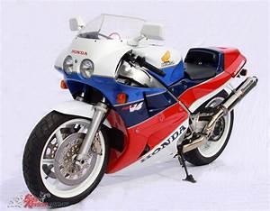 Honda Rc 30 : classic collectable honda vfr750r rc30 bike review ~ Melissatoandfro.com Idées de Décoration
