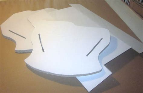 berceau de poupee en carton tarabiscotte creations